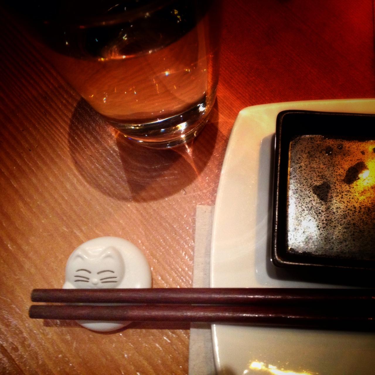 cat chopsticks holder